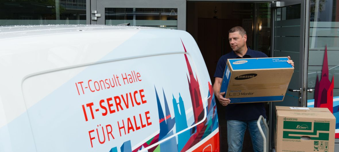 IT-Service Mitarbeiter in Aktion